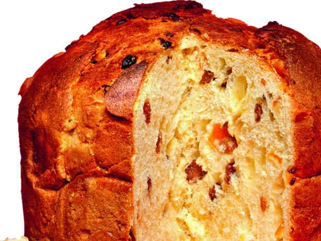 Panettone is a sweet Italian Christmas cake that dates back to the 15th century/ © fotolia
